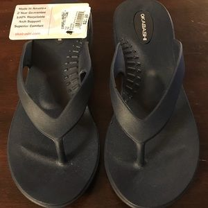 Okabashi Flip Flops, size Small, New with tag